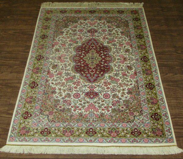 Silk Persian Rug 9508